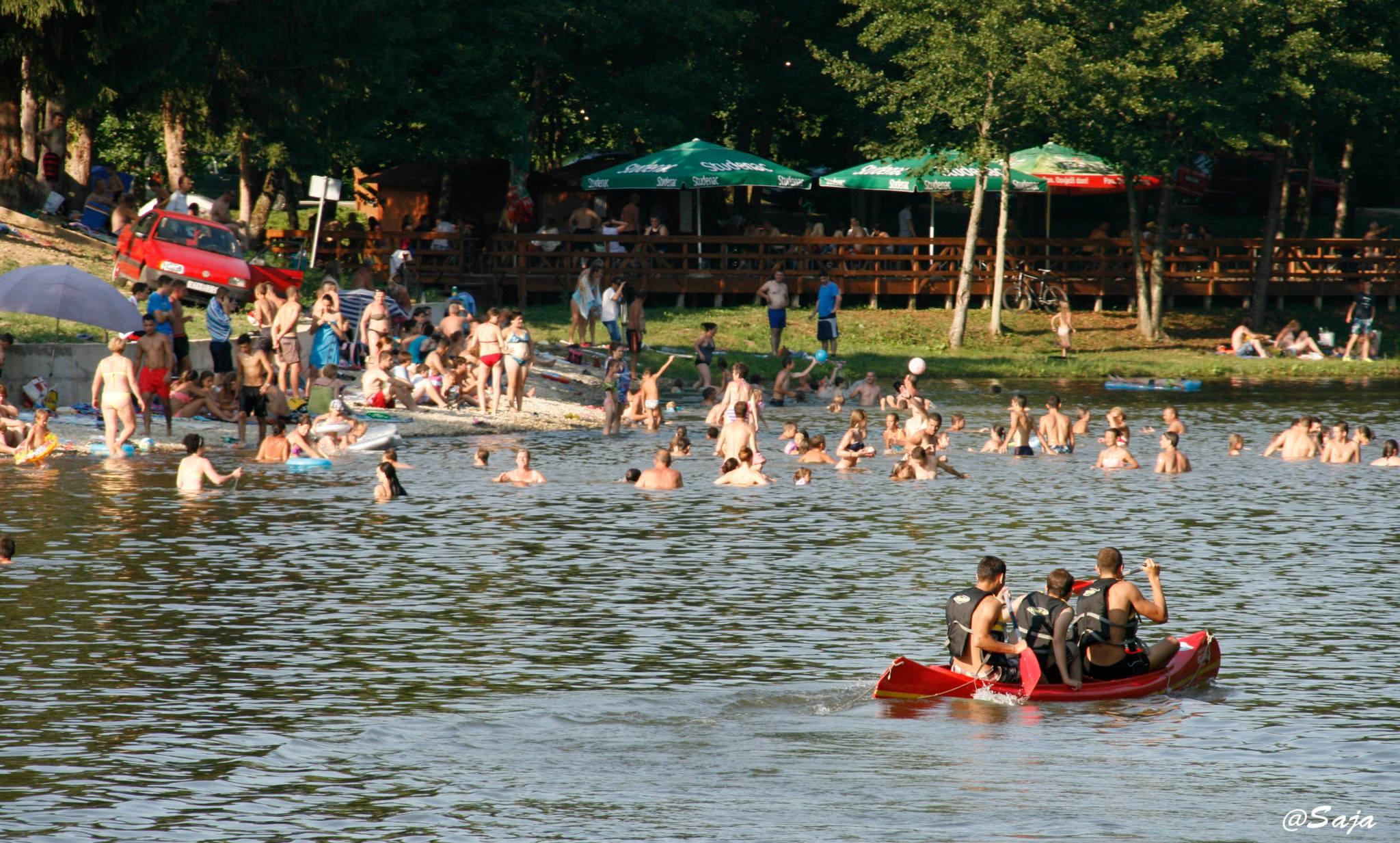 Sezona kupanja novljansko jezero